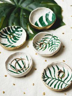 DIY Tropical Leaf Trinket Dishes | Pinterest: Natalia Escaño