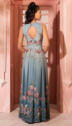 Pretty Outfits, Pretty Dresses, Beautiful Outfits, Casual Dresses, Fashion Dresses, Indian Designer Wear, Occasion Dresses, Dress Patterns, Blouse Designs