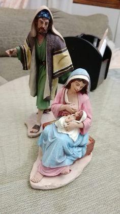 Nativity Creche, Nativity Scenes, Christmas Nativity, Home Altar, Miniature Rooms, Madonna, Christmas Decorations, Models, Daycares