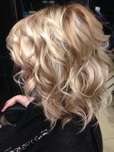 Fabulous long length hair care Source by haycreek Bob Hairstyles For Fine Hair, Pretty Hairstyles, Braided Hairstyles, Long Shag Hairstyles, Fast Hairstyles, Hairstyle Ideas, Wedding Hairstyles, Medium Hair Styles, Curly Hair Styles