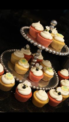 #kellyscupcakecompany #naples #bakery #cupcakes #naples #bakery #babyshower
