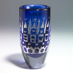 Ingeborg Lundin, (Swedish, 1921-1992), Kosta, Ariel Glass Vase.