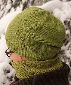 Free pattern. Pattern includes both english and finnish instructions and in addition two sizes: slouchy hat and more fitted beanie.