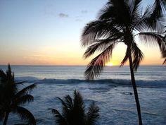 $129/night - Fantastic Views: Kona Penthouse Ocean Front condo