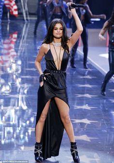 Selena Gomez  Victoria's secret fashion show 2015 (Pink USA)