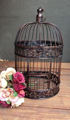 New vintage bird cage tattoo card holders 21 ideas Bird Tattoo Ribs, Bird Tattoo Back, Homemade Bird Feeders, Diy Bird Feeder, Vintage Birds, Vintage Flowers, Bird Theme Nursery, Antique Bird Cages, Concrete Bird Bath