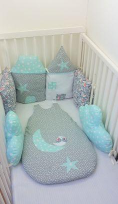 Tour de lit de 6 coussins modulable maisons,nuages,coussins ,fait main ,original,unique : Linge de lit enfants par 1-2-3-picoti