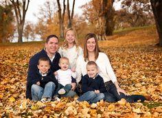fall family picture ideas | Fall Family photo session at PDZA | Photo Ideas