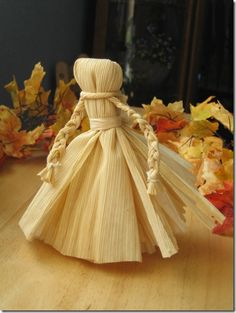 Make your own Corn Husk Doll with Muffin Tin Mom from michellesjournalcorner.blogspot.com!