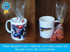Taza de cerámica decorada con Superman, rellena con escudos de Superman #ChocoGeek