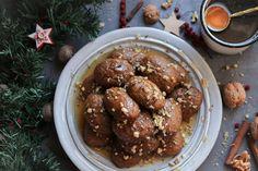 Φέτος σου έχω την πιο πετυχημένη συνταγή για μελομακάρονα με καρύδι,τα πιο νόστιμα, εύκολα που δοκίμασες ποτέ!Ακολούθησε τη συνταγή και θα την ευχαριστηθείς Chicken Wings, Meat, Food, Essen, Meals, Yemek, Eten, Buffalo Wings