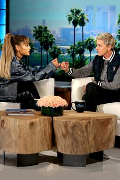 I love ellen and ariana together!