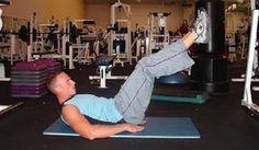 Mike Geary in allenamento. Non è consigliabile allenare direttamente gli addominali prima di aver eliminato il grasso che li ricopre e ridotto il grasso viscerale. #AddominaliScolpiti #MikeGeary