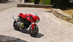The SSie was the last Ducati that i would like to deal with. The reason is the fuel tank. The accented forward slope of the fuel tank mean. Ducati 800, Moto Ducati, Ducati Cafe Racer, Ducati Motorcycles, Cafe Racer Bikes, Cafe Racers, Moto Guzzi, Ducati 750ss, Ducati Multistrada