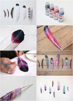 Federn bunt bemalen mit Akrylfarbe