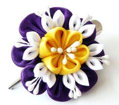 Kanzashi fabric flower hair clip
