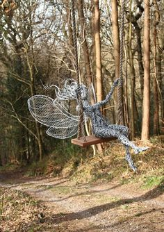 Wire Sculpture by Fantasywire Chicken Wire Sculpture, Wire Art Sculpture, Garden Sculptures, Robin Wight, Fantasy Wire, Fairy Pictures, Fairy Art, Fantastic Art, Outdoor Art