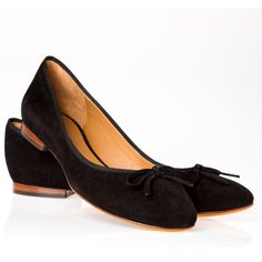Pre-owned Celine Flats ($175) ❤ liked on Polyvore featuring shoes, flats, apparel & accessories, black, black skimmer, flat pumps, black shoes, black ballet shoes and suede ballet flats