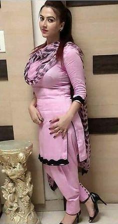 Beautiful Women Over 40, Beautiful Girl In India, Most Beautiful Indian Actress, Viria, Punjabi Girls, Punjabi Dress, Pakistani Dresses, Desi Girl Image, Dehati Girl Photo