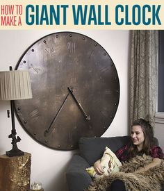 Want a giant wall decor that doubles as a DIY wall art? This decorative wall clock will fill a large block of wall space with sophistication. (wall clock decor how to make) Giant Wall Clock, How To Make Wall Clock, Wall Clocks, Diy Home Decor Projects, Fun Projects, Mur Diy, Diy Clock, Clock Ideas, Clock Craft