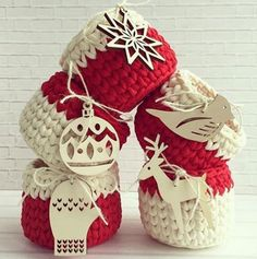 Ideas for crochet basket trapillo Crochet Christmas Decorations, Christmas Crochet Patterns, Diy Christmas Gifts, Crochet Home, Crochet Gifts, Crochet For Kids, Diy Crochet, Upcycled Crafts, Diy And Crafts