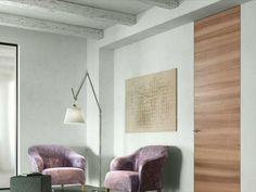 Porte filo muro da pavimento a soffitto in finitura legno. #porteinlegno #porteafilomuro