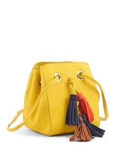Toute la maroquinerie en CUIR CHEVRE Jaune - Petit Sac - Septime - Minelli Boho Chic, Beautiful Handbags, Costume, My Bags, Bag Making, Bucket Bag, Vintage Dresses, Casual, Autumn Fashion