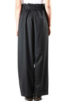 Daniela Gregis fine wool flannel wide trousers, front fly with inner elastic band, high waistband with belt loops and tie fastening self belt, front pleats, side welt pockets, slightly drop crotch, turn-up hem - Autumn/Winter - 100% wool