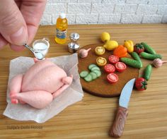 Barbie Food, Doll Food, Tiny Food, Fake Food, Miniature Crafts, Miniature Food, Polymer Clay Crafts, Diy Clay, Diy Doll Miniatures