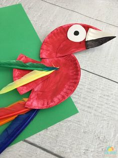 Colorful Parrot Paper Plate Craft for Kids Plant Crafts, Bird Crafts, Animal Crafts, Cute Crafts, Crafts To Do, Dinosaur Crafts, Paper Plate Art, Paper Plate Animals, Paper Plate Crafts For Kids