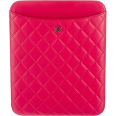 Pre-owned Chanel Quilted iPad Sleeve (39.355 RUB) ❤ liked on Polyvore featuring accessories, tech accessories, red, ipad cover case, chanel, ipad sleeve case, red ipad case and chanel ipad case