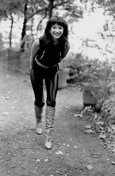 Unseen photos show Kate Bush through the years from her Wuthering Heights of fame as she nears 60 - Mirror Online Hounds Of Love, Celebrity Boots, Celebrity Babies, Uk Singles Chart, Women Of Rock, Peter Gabriel, Female Singers, Record Producer, Music Artists