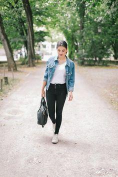 #streetstlye #jeansjacket #oversizedjacket #chucks // #mernamariella