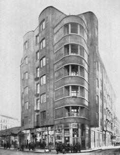 Lajta's apartment block on Népszínház Street, Budapest, constructed in 1911 (photo: Bauhaus, Art Deco, Art Nouveau, Amsterdam, Austro Hungarian, International Style, History Photos, Budapest Hungary, Old Buildings