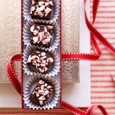 Package up pieces of candy cane fudge for an easy DIY Christmas gift. #recipe