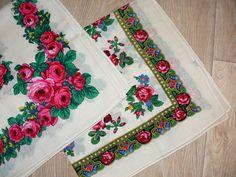 Antique and vintage shawl. Folklore, Vintage Floral, Vintage Antiques, Shawl, Quilts, Blanket, Quilt Sets, Blankets, Log Cabin Quilts