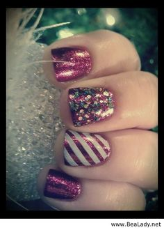 Christmas nails....now I wish I added glitter to my nails too!