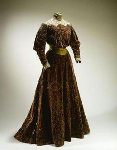 Dress1894-1898Musée Galliera de la Mode de la Ville de Paris