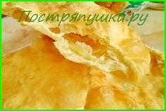ЛЕПЕШКИ НА ВОДЕ - СЛОИСТЫЕ И МЯГКИЕ, БЫСТРЫЕ, ВКУСНЫЕ, ДЕШЕВЫЕ 3 стакана муки 2 стакана воды 3 ст.ложки масла растительного (в тесто) пол. чайной ложки соды 1 чайная ложка соли масло для жарки лепешек
