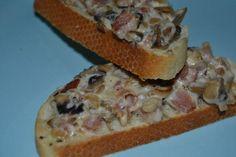 Tosta de champiñones, bacon y queso de untar. Fácil y rico. ¡La receta perfecta!