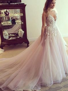 Princess V-neck Tulle with Appliques Lace Court Train Open Back Amazing Ball Dresses