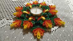 Quilling • svícen Paper Quilling Tutorial, Quilling Craft, Quilling Flowers, Quilling Patterns, Quilling Designs, Diwali Diy, Diwali Craft, Hobbies And Crafts, Diy And Crafts