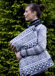 Oleana Merino Wool Blanket Design 212-D, Norwegian Blankets