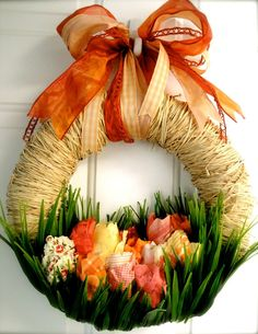 http://www.pinterest.com/jashwo/crafting-projects/  Spring wreath