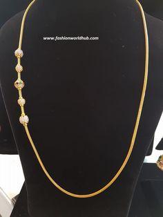 Thali chain with Mahalakshmi mugappu Thali Chain Models with Mugappu Thali chains with simple mugappu/side pendants. thali_mugappu_models thali_chain_new_model_designs thali_chain_with_mugappu 22 carat gold latest thali chain designs with mugappu. Gold Necklace Simple, Gold Jewelry Simple, Gold Rings Jewelry, Gold Mangalsutra Designs, Gold Earrings Designs, Gold Chain Design, Gold Jewellery Design, Gold Chain Indian, Jewelry Model