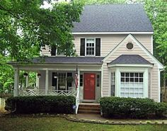Beige House with Black Shutters Best Exterior Paint, Exterior Paint Colors For House, Paint Colors For Home, Exterior Colors, Black Exterior, Beige House Exterior, Exterior Design, Red Door House, Tan House