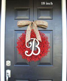 Monogram Red Berry Christmas Wreath Monogram door ElegantWreath
