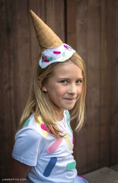 DIY Ice Cream Cone Costume for Halloween - Lia Griffith Yogurt Ice Cream, Diy Ice Cream, Ice Cream Party, Halloween Costumes To Make, Homemade Costumes, Halloween Ideas, Food Costumes, Cute Costumes, Rosie The Riveter