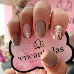 Semi Permanente, Bridal Nail Art, Glittery Nails, Perfect Nails, Nail Trends, Short Nails, How To Do Nails, Cute Nails, Beauty Women