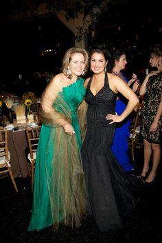 Renée Fleming y Anna Netrebko. Photo Julie Skarratt/Metropolitan Opera — at The Metropolitan Opera.
